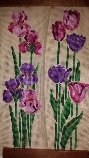 My Masterpiece i made it for my spring collection! Tulips and Irises.. lovely color.