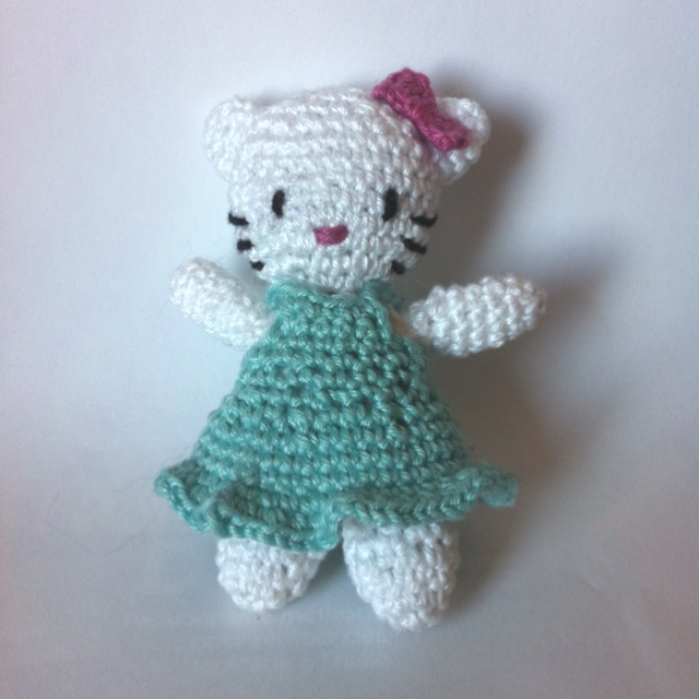 Mini Hello Kitty Amigurumi : 649 best images about Crochet Hello kitty on Pinterest ...