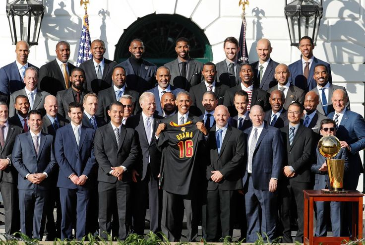 10nov2016---president barack obama with 2016 nba champs cleveland cavaliers