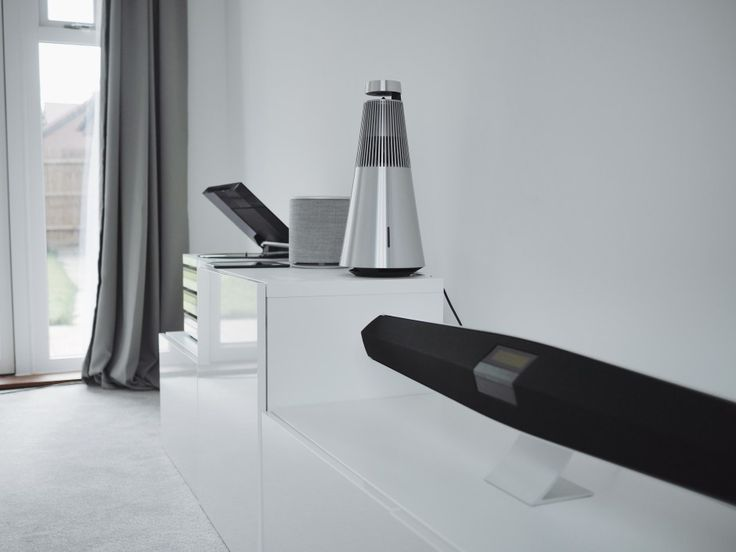 With Multiroom from Bang & Olufsen no one is left behind, so you're actually able to hook op your old record player from the 80's with the BeoSound 2, Beoplay M5, BeoSound 35 or any of our speakers from the Multiroom Collection.