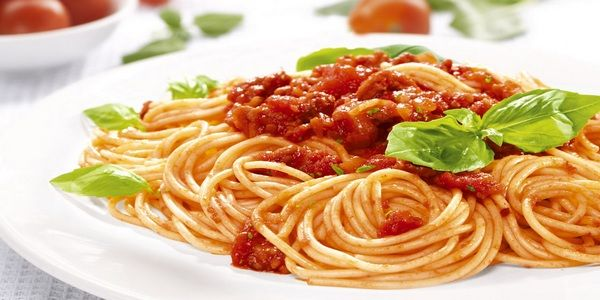 Traditional spaghetti bolognese recipe