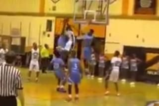 """5'5"""" High School G Melvin Lee Splits 2 Defenders, Throws Down with Authority"""