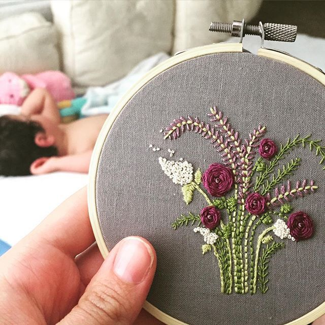 Another tiny garden! Loving the dreamy gray and purple combo. Almost makes me want to curl up with that cute babe in the background and take a beach time baby nap... #dsflowers #dstexture #dmc #dspattern #crafty #hoopart #flowersofinstagram #embroidery #dmc #purple #violet #tinygarden #handmade #makersgonnamake