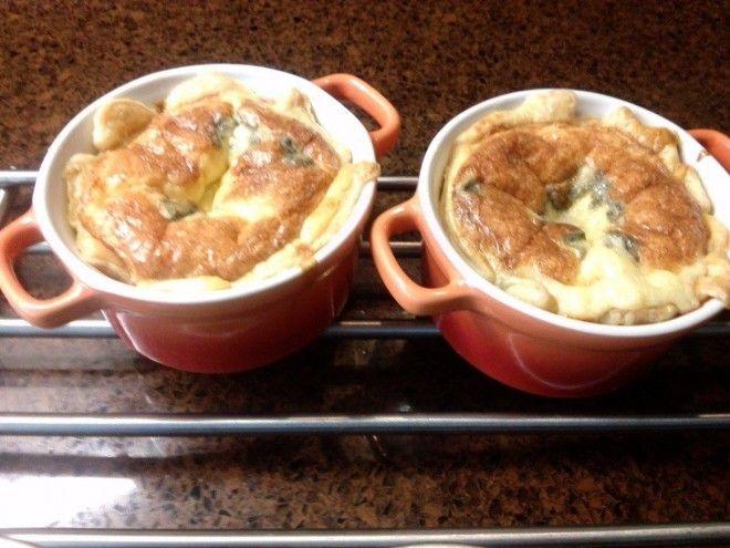 Vijfkazentaartjes uit de oven. Het is er echt weer voor. Lekkere hartverwarmende vijfkazentaartjes uit de oven. Eén van de favoriete herfstrecepten. Serveer