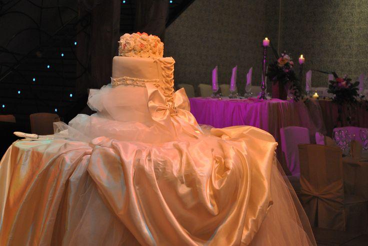 Wedding cake like bridals dress