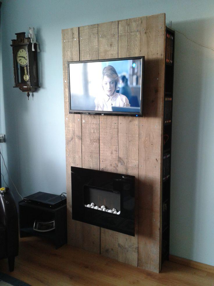 TV met achterwand van steigerhout  Steigerhout - meubels  Pinterest