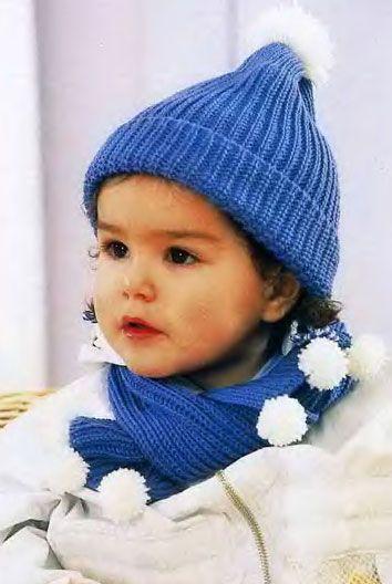 Детский шарф и шапочка, связанные спицами