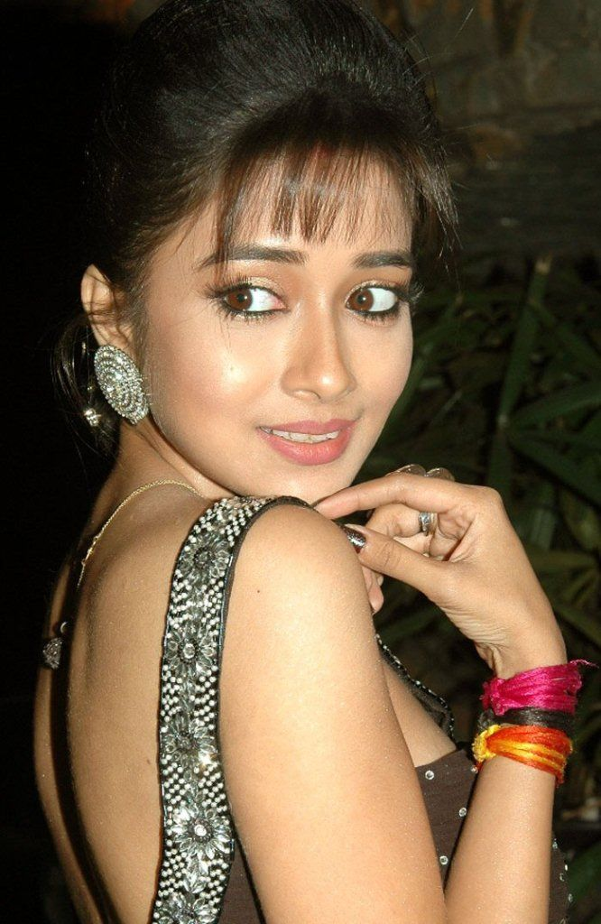 Tina Dutta is an Indian film and television actress. Her birth name is Tanisha Dutta and she was born on November 27, 1986 in Kolkata, India. She started her acting career at the age of five. At the age of 16 she made her appearance in the Bengali film Choker Bali with Bollywood actress Aishwarya Rai.
