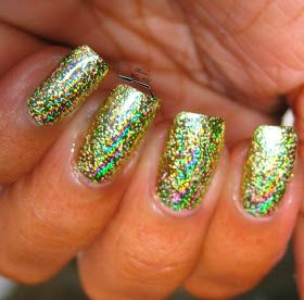 Karine's Vernis Club: KKCenterHK Review - Foils (note - Robin Moses nail art has several tutorials for foil application & has links for very inexpensive supplies - e.g. $1 per canister of foil, check her out in YouTube & facebook)