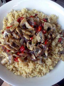 Quinoa com Cogumelos e Pimento