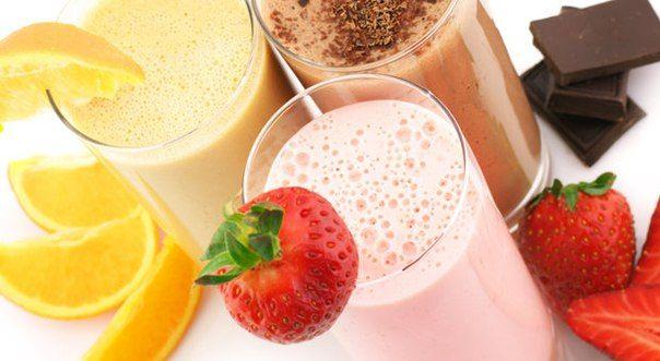 Специально для лета!  Рецепты молочных коктейлей из McDonald's  1. Ванильный коктейль  Ингредиенты:  – 2 стакана ванильного мороженого – 1 стакан молока – 1/4 стакана сливок 11% – 3 ст. ложки сахара – 1/8 ч. ложки ванильной эссенции  2. Шоколадный коктейль  Ингредиенты:  – 2 стакана ванильного мороженого – 1 стакан молока – 1/4 стакана сливок 11% - сахар – по вкусу - 2 ч. ложки какао или несквик какао (в оригинале используется шоколадный Nestle Quik Powder - у нас в продаже нет)  3…