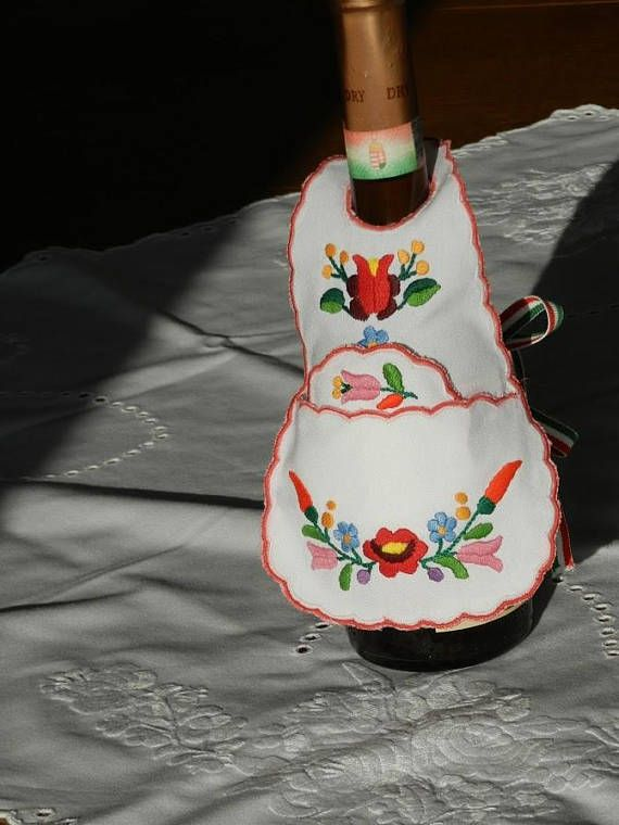 Kalocsa bottle apron set Hand embroidered Kalocsa set