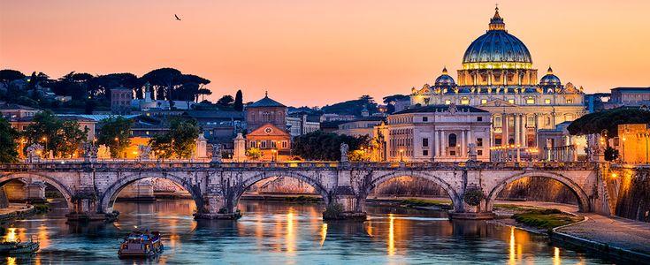 Hoy viajamos a Roma, la capital de Italia, una ciudad con una larga e ilustre historia que se jacta de poseer un sinfín de atracciones por ver y cosas por hacer… Aunque no vamos a cubrir tantas, te vamos a contar cuáles son los sitios imprescindibles que tienes que ver en Roma si vas de …