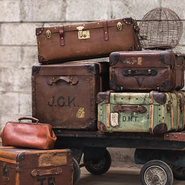 Travel back in time with our vintage collection #myscaramanga #scaramanga  #vintagestyle #luggage #travel #vintagehome #trunks #traveltrunk #display #vintageshop
