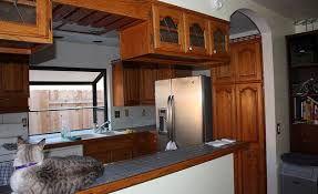 Resultado de imagen para cocinas con desayunador de concreto
