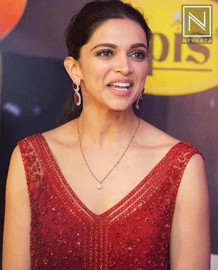 Beautiful Deepika | Mangalsutra designs, Black beads ...