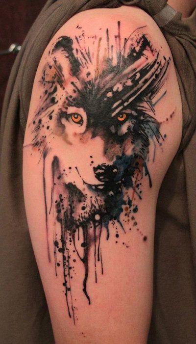 Tatuagem perfeita de lobo estilo aquarela