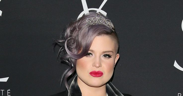 Kelly Osbourne and sister-in-law Lisa Stelly pose in matching bikinis – but fans spot something VERY odd