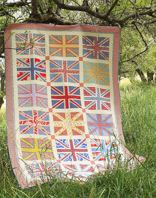 Diary of a Quilter - a quilt blog: Finished Union Jack Quilt - Beautiful!!