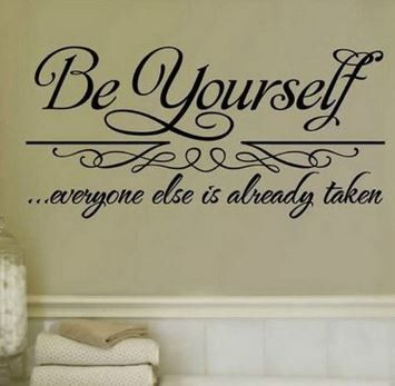 """Wand Aufkleber """"Be your self!"""""""