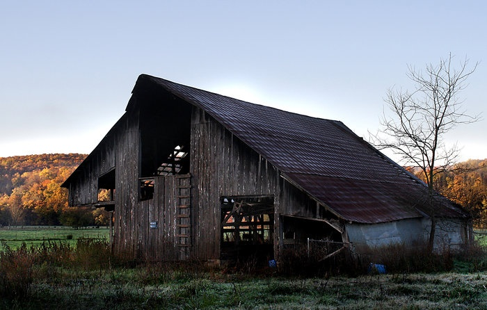 Huntsville, Arkansas: Photo by Joel Mcafee