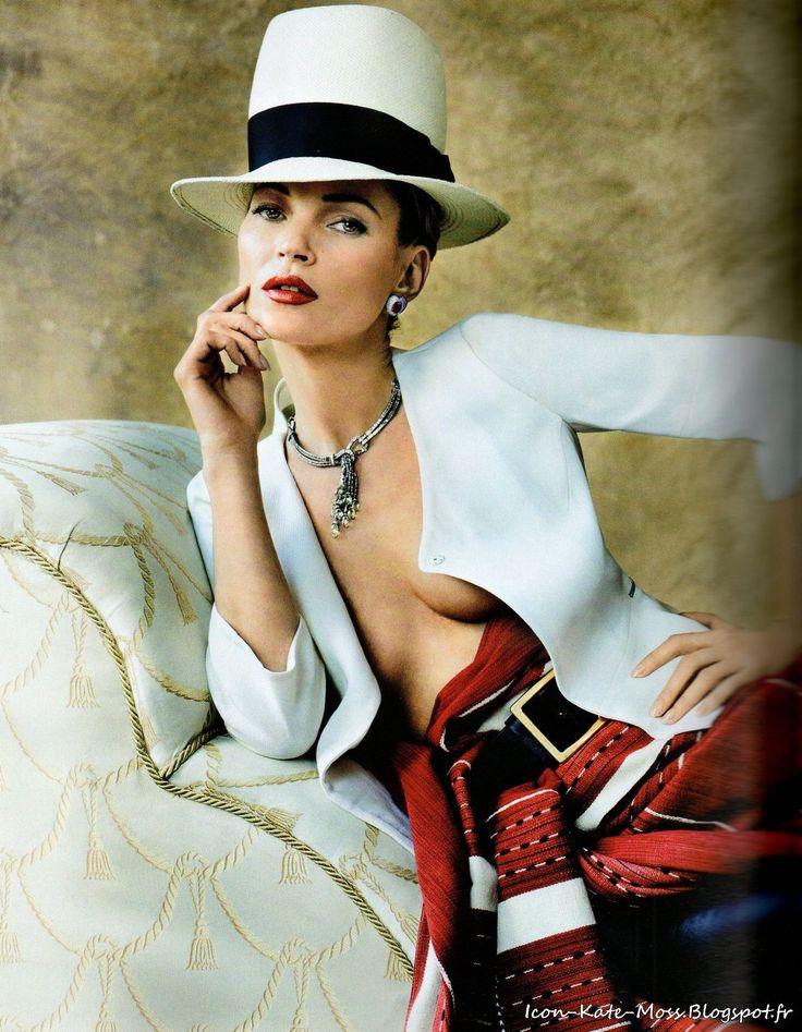 Kate Moss in L'étoile de Lima by Mario Testino, Vogue Paris, April 2013.