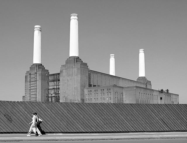 Battersea Power Station by Ian Howells (2004)