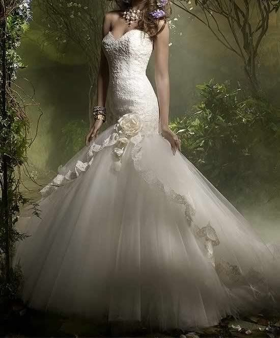 Spanish Wedding Dresses: 12 Best Spanish/Vintage Style Wedding Dress Ideas For