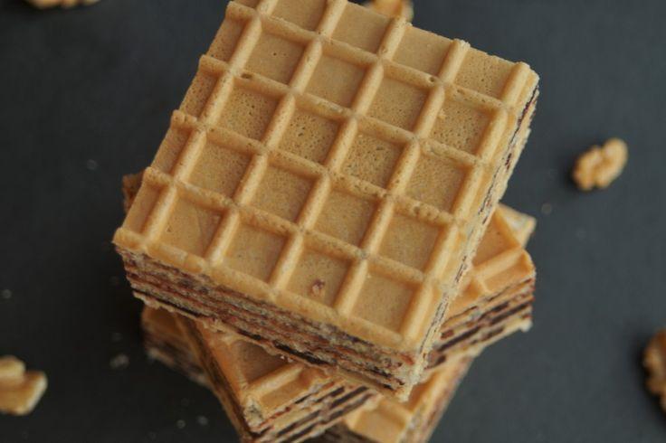 Piszinger czy pischinger? Ponad sto lat temu Oskar Pischinger stworzył ten pyszny i prosty deser. Koniecznie poznaj dzieło cukiernika z Wiednia! http://babkaikanapka.pl/piszinger-od-oskara-pischingera/