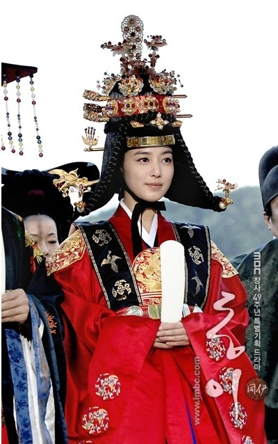 A royal bride, from the series Dong Yi. #KDrama #Korean #CostumeDrama