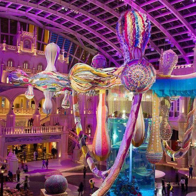 Spectacular display in the MGM Macau's Grande Praca - Valkyrie Octopus