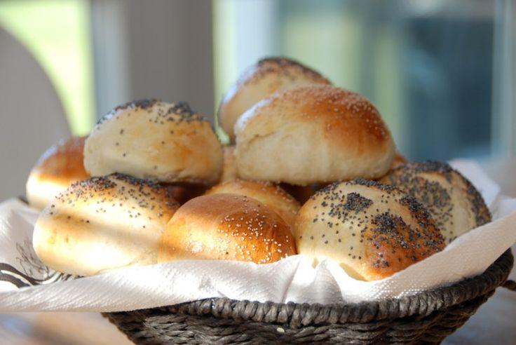 Lækre og hurtige rundstykker med birkes, som du kan bage på under en time. Foto: Guffeliguf.dk.