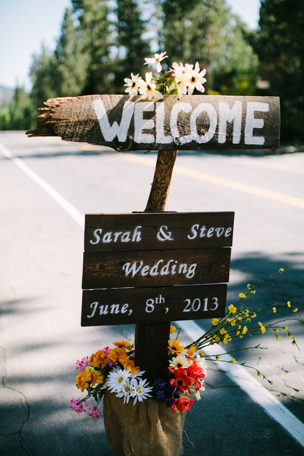 simple rustic wedding sign http://www.weddingchicks.com/2013/09/23/romantic-woodland-wedding/
