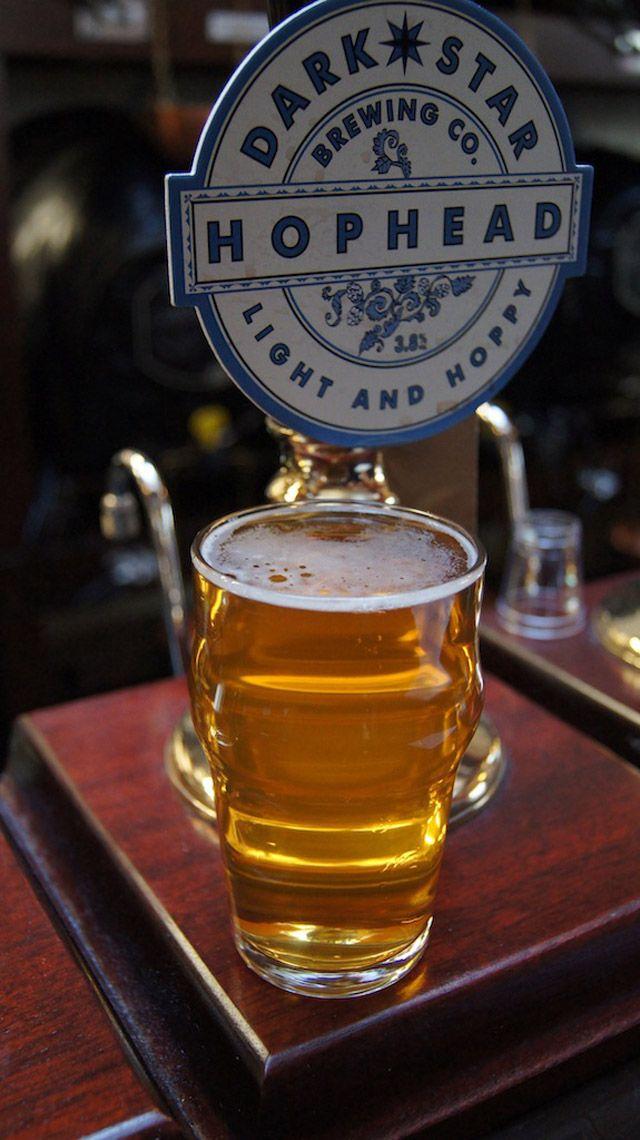 Golden Ale. Prezzo:  È una birra molto rinfrescante, con decise note erbacee. È perfetta in estate per il suo gusto morbido e per la sua gradazione alcolica contenuta.