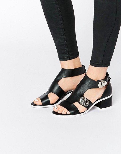 Eeight | Черные сандалии с пряжками Eeight Salma