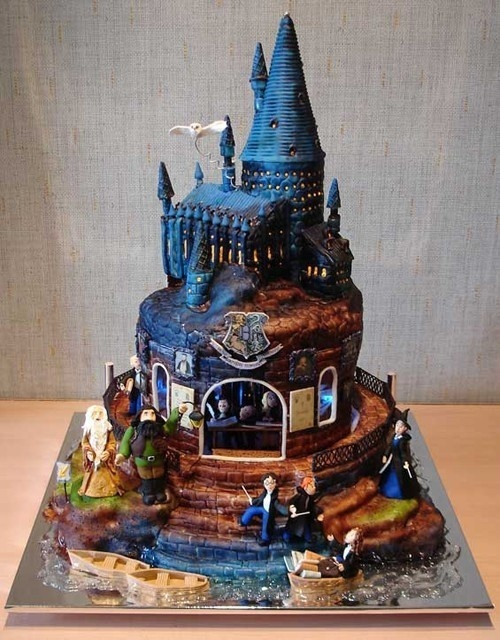 Harry Potter cake....one of the coolest things I've ever seen!Hogwarts, 21St Birthday, Harry Potter Cakes, Harrypotter, Amazing Cake, Theme Cake, Awesome Cake, Wedding Cake, Birthday Cakes