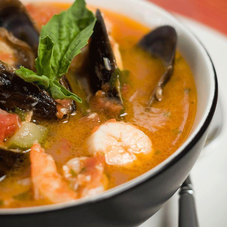 Porta sulla tua tavola il sapore di mari lontani, mescolando aromi e ingredienti della tradizione.