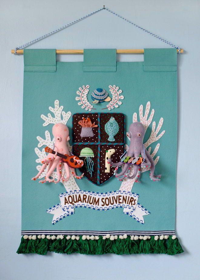 王立水族館お土産センター紋章バナー