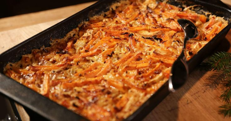 Sötpotatis, rotselleri och lagrad ost ger din frestelse ännu mera smak och julkänsla.