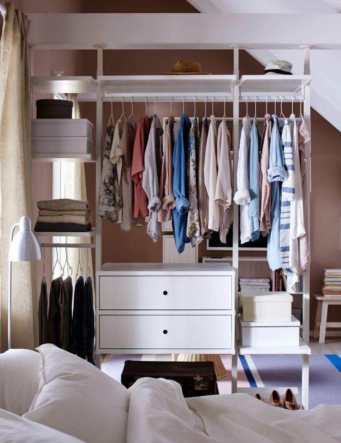 1001 Rangements Malins Pour Trouver La Meilleure Idee Dressing Adaptee A Tout Espace Idee Dressing Chambre A Coucher Monochrome Petit Meuble Rangement