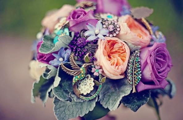 alternate bouquet: Brooch Bouquets, Brooches Bouquets, Vintage Pin, Flower Bouquets, Wedding Bouquets, Vintage Brooches, Fresh Flower, Broach Bouquets, Bouquets Flower