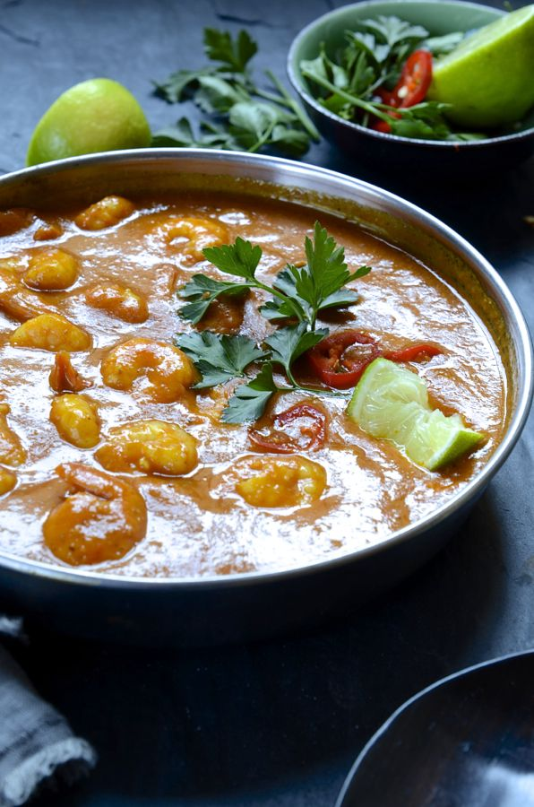 PRAWN AND COCONUT CREAM CURRY