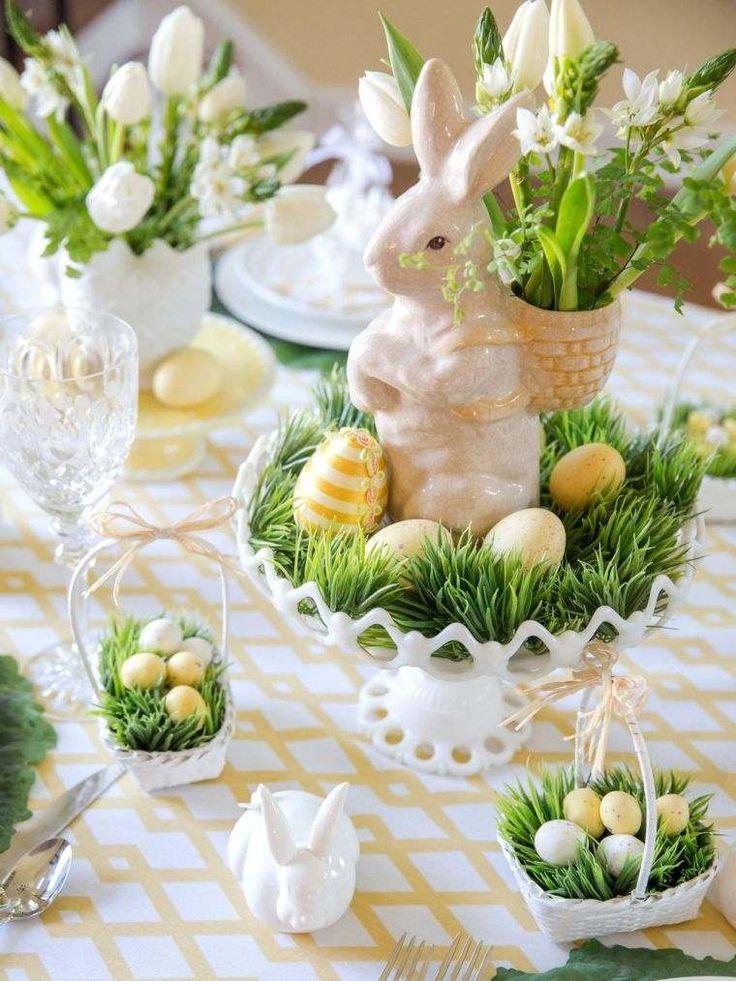 décoration de table Pâques avec lapin en porcelaine
