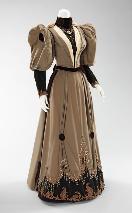 evening dress ca. 1893: Evening Dresses, Dresses 1893, Fashion, Costumes, 1890S, 1890 S, Metropolitan Museums, Silk Wool, Vintage Clothing