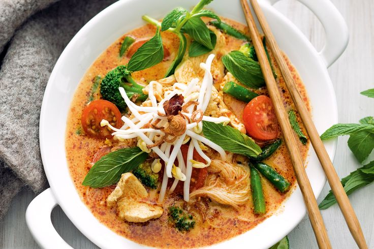 Chicken and vegetable laksa http://www.taste.com.au/recipes/31215/chicken+and+vegetable+laksa