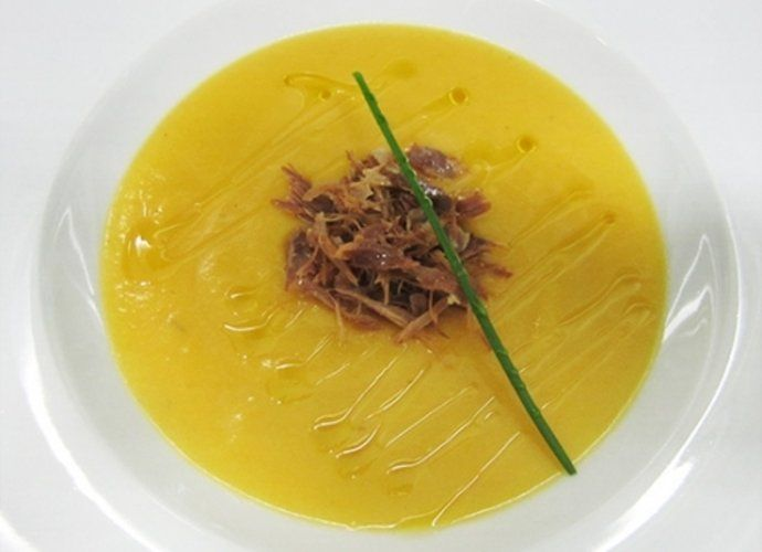 Crema de calabaza amarilla y hebras de confit de pato para #Mycook http://www.mycook.es/cocina/receta/crema-de-calabaza-amarilla-y-hebras-de-confit-de-pato