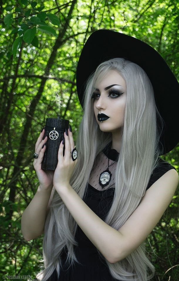 sexy nude gothic girls pics