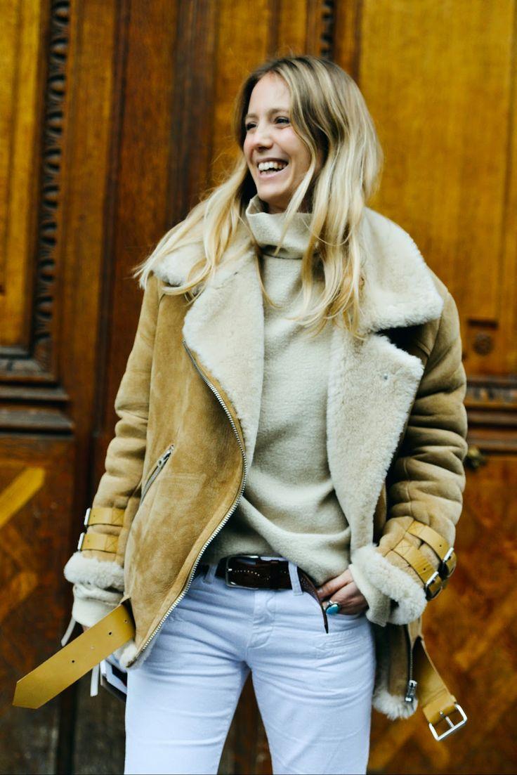 Manteau en peau lainée.                                                                                                                                                                                 Plus