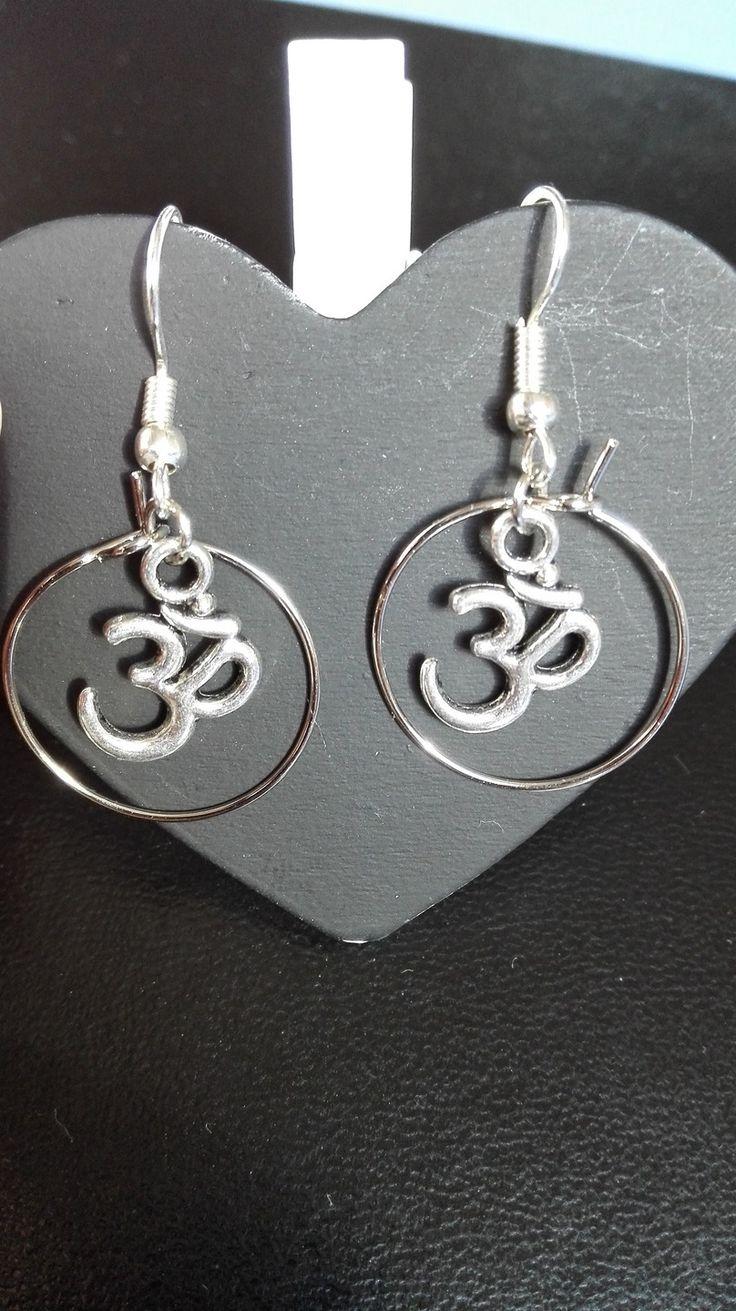 Boucles d'oreilles argentées avec anneaux symbole Ohm zen : Boucles d'oreille par miss-perles