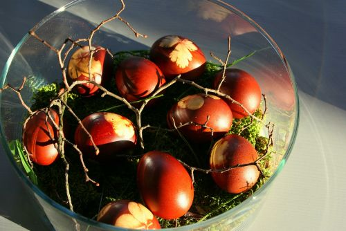 Easter red eggs #easterdecoration #transylvaniancustoms @Cincsor.Transylvania.Guesthouses